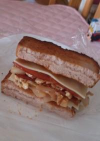 お弁当にも☆ガッツリBCKトーストサンド