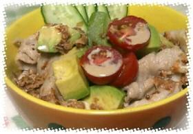 豆腐と豚のアボカド丼