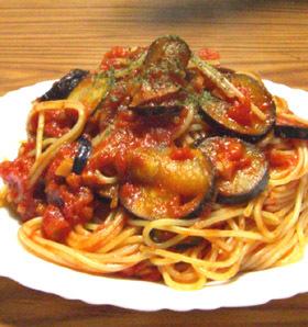 ナスとズッキーニのトマトスパ