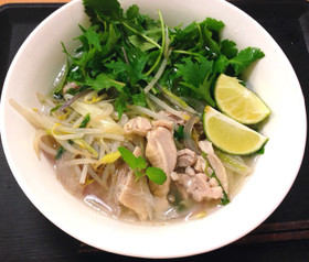 鶏肉のフォー(ベトナム料理・南部版)