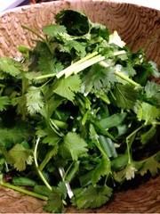 パクチーと三つ葉の香りサラダ〜減塩〜の写真