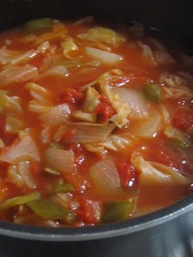 お鍋にたっぷり♪ダイエットトマトスープ
