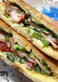 超厚切りパンでホットサンドイッチ