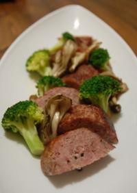 手作りボローニャソーセージと野菜のソテー