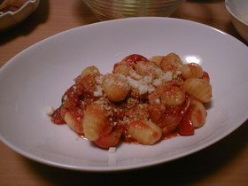 ニョッキのミニトマトソース