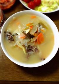 野菜たくさん牛テールのスープ