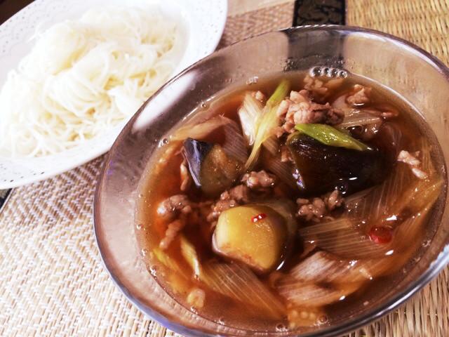 ごま油が香る♡茄子と豚肉の素麺つけ汁