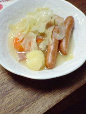 簡単美味しいキャベツとソーセージの煮込み