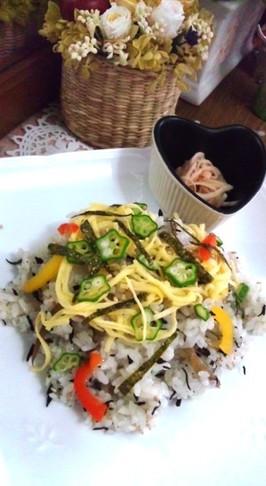 ファミマのお惣菜で簡単チラシ寿司
