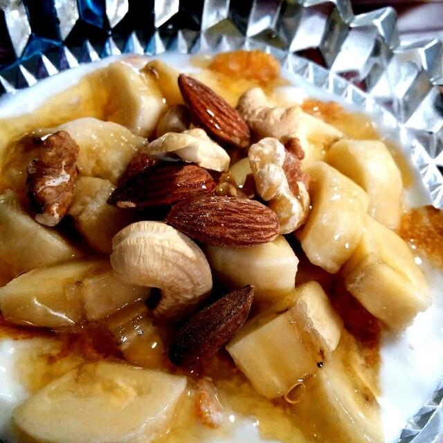 pms対策に♪バナナナッツヨーグルト
