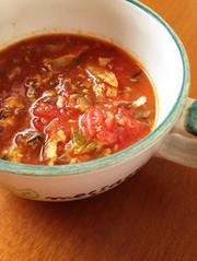 鯖缶と夏野菜のカレー風味スープの写真