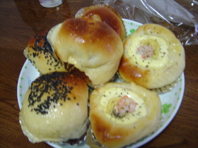 HBで惣菜パン(グラタンパン・・)