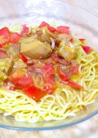 いなばのタイカレーとトマトの冷やし中華