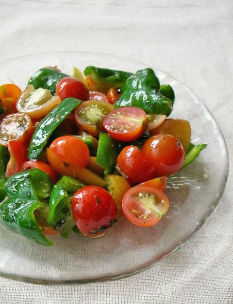 ピーマンとトマトのビタミンサラダ