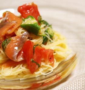 トマトとサーモンの冷製パスタ