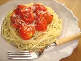 焼きプチトマトのごろりんパスタ
