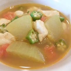 冬瓜と鶏肉の薬膳カレースープ