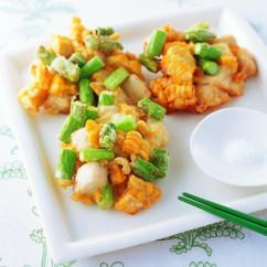 グリーンアスパラガスと鶏むね肉、コーンのかき揚げ