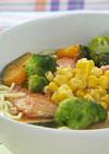 秋鮭と緑黄色野菜の塩ラーメン