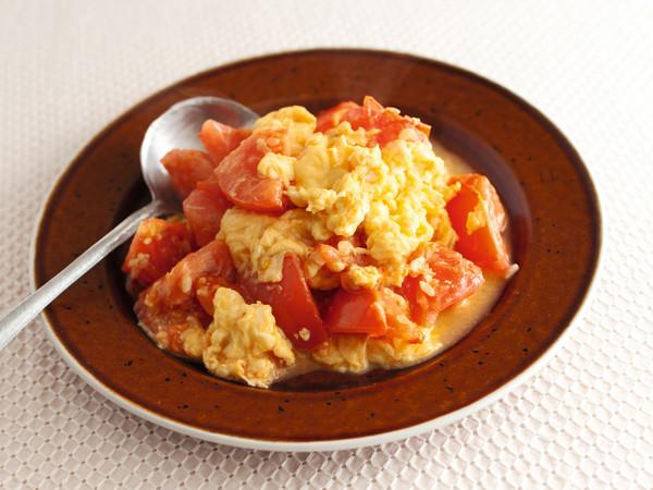 トマトの塩麹卵炒め