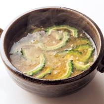 ゴーヤーにんにくみそスープ