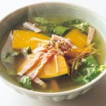 ざく切りレタスとかぼちゃのスープ