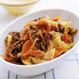 牛肉とキャベツのキムチ炒め煮