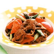 牛肉とアスパラのトマト炒め