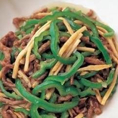 しょうゆ味で青椒牛肉絲