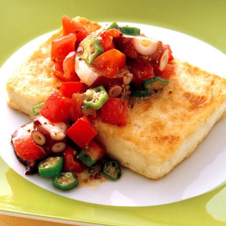 たこトマトだれの豆腐ステーキ