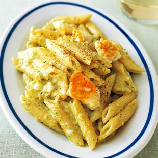 ゆで卵とブロッコリーのパスタ