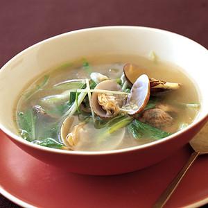 あさりと水菜の黒酢スープ