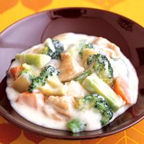 ブロッコリーととり肉のクリーム煮