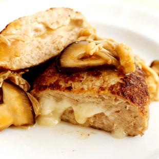和風みそソースのチーズハンバーグ
