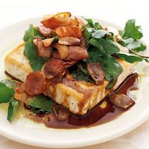 豆腐ステーキのカリカリにんにくソース