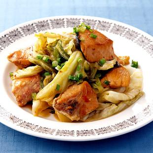 鮭とキャベツのピリ辛炒め