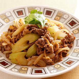 牛肉とセロリの和風カレー炒め