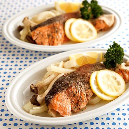 鮭とたっぷり野菜のレンジ蒸し