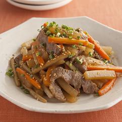 牛肉とたっぷり根菜の炒め煮