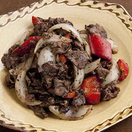 牛肉と玉ねぎのごまみそ炒め