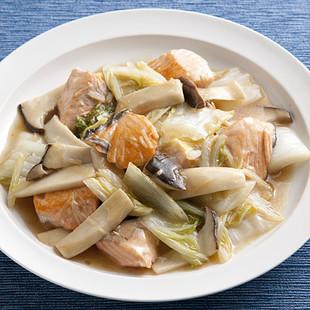 鮭と白菜の黒酢炒め