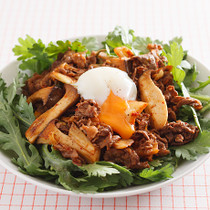韓国風焼き肉サラダ