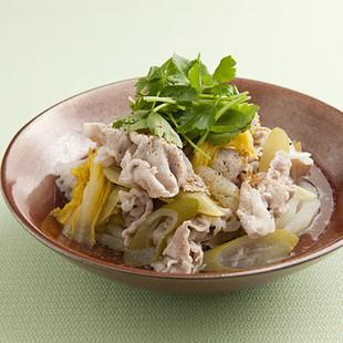 豚肉と白菜漬けの煮もの