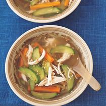 きゅうりの具だくさんおかずスープ