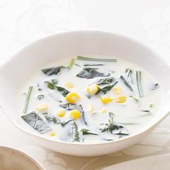 ほうれん草の豆乳コーンスープ
