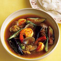 シーフードと夏野菜のスープカレー