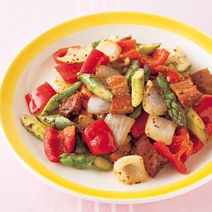 厚切りベーコンと彩り野菜の粒マスタード炒め
