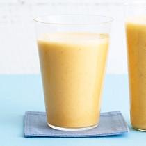 ヨーグルトとにんじんとパイナップルの美腸ジュース