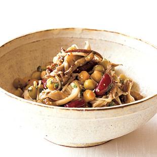 干しきのこと豆のマスタードサラダ