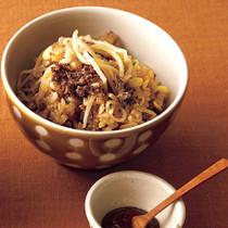牛肉と豆もやしの炊き込みご飯